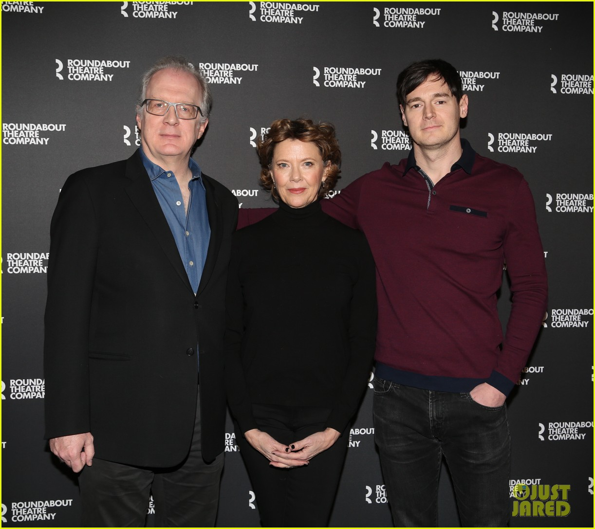 annette bening benjamin walker all my sons photo call 044254174