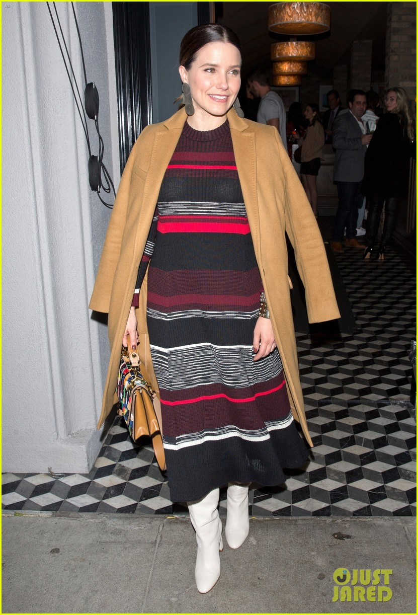 sophia bush meets up with friends at craigs 034258138