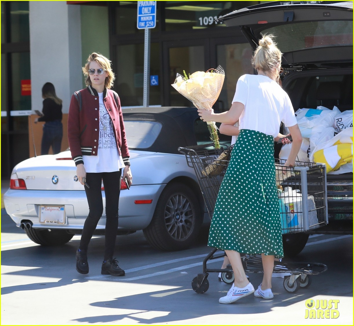 cara delevingne ashley benson run errands 07