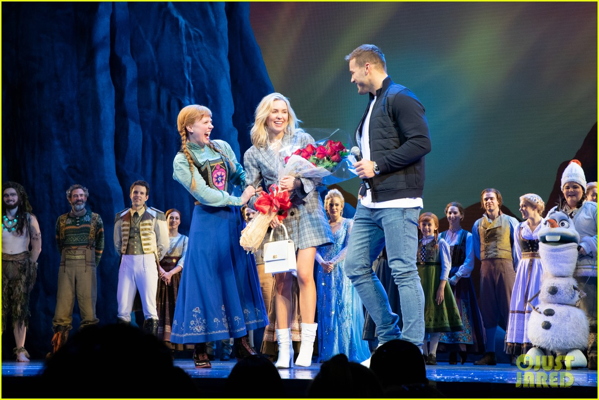 colton underwood cassie randolph broadway date 014257290