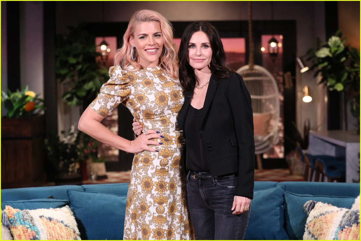 courteney cox on busy tonight 05