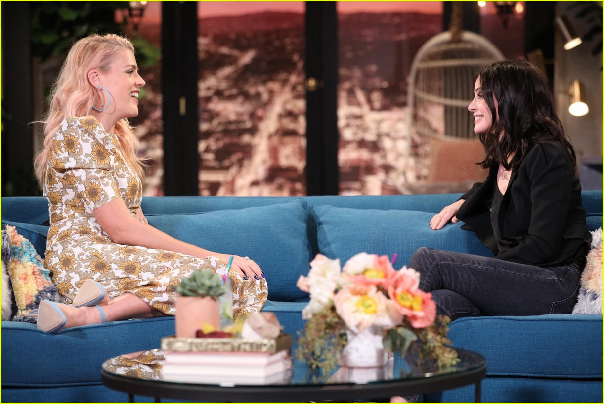 courteney cox on busy tonight 06