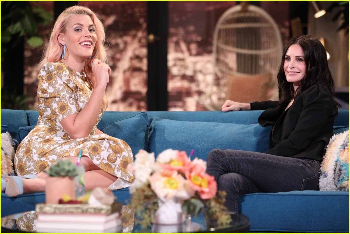 courteney cox on busy tonight 08