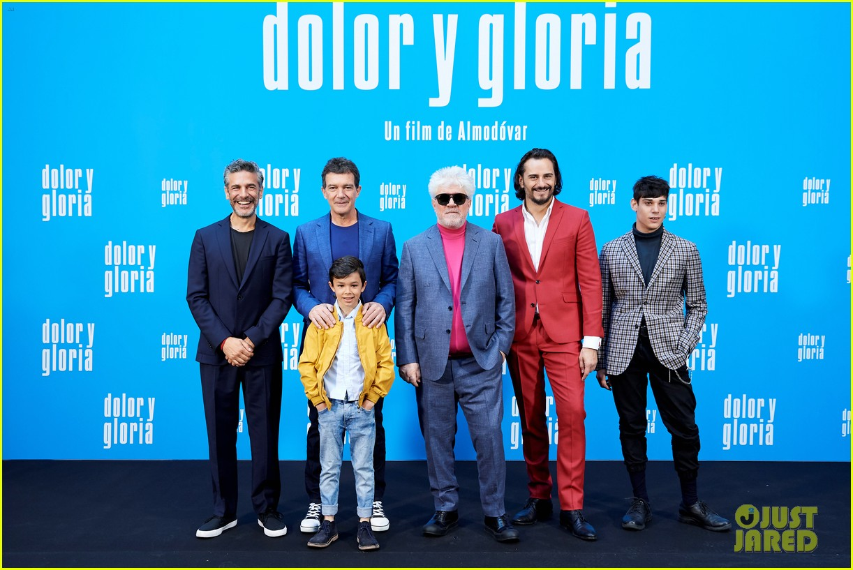 penelope cruz antonio banderas join dolor y gloria cast at madrid photo call 20