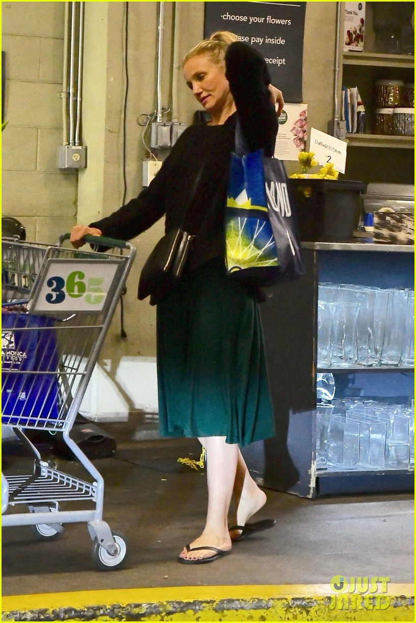 cameron diaz rocks jade green dress for spa day in weho 01