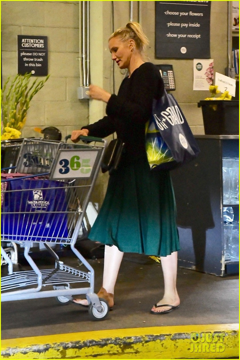 cameron diaz rocks jade green dress for spa day in weho 03
