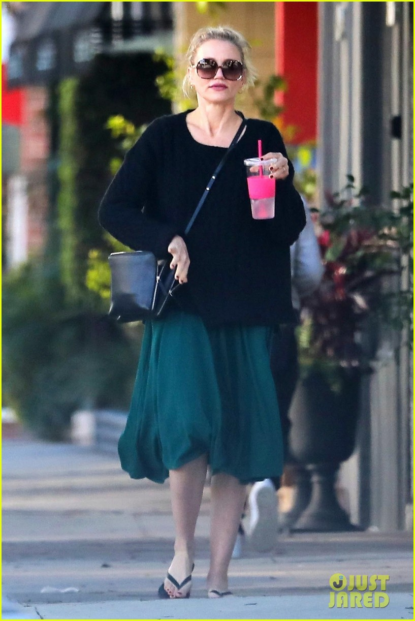 cameron diaz rocks jade green dress for spa day in weho 04