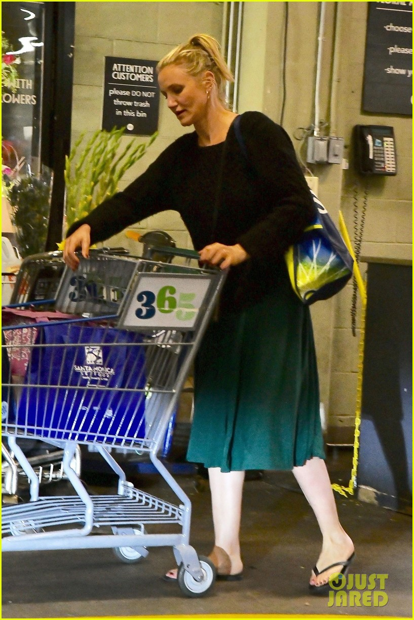 cameron diaz rocks jade green dress for spa day in weho 05