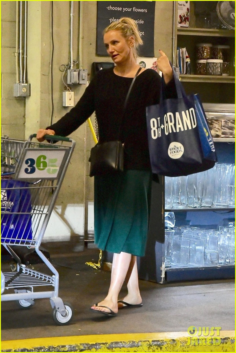 cameron diaz rocks jade green dress for spa day in weho 07
