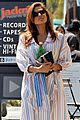eva mendes stops by a bookstore 02