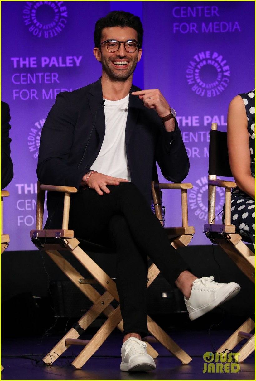 gina rodriguez justin baldoni jane the virgin final season paleyfest 074260730
