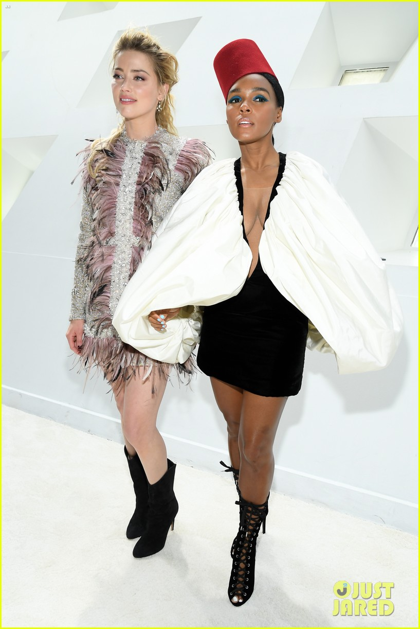 amber heard janelle monae buddy up at giambattista valli paris fashion show 01