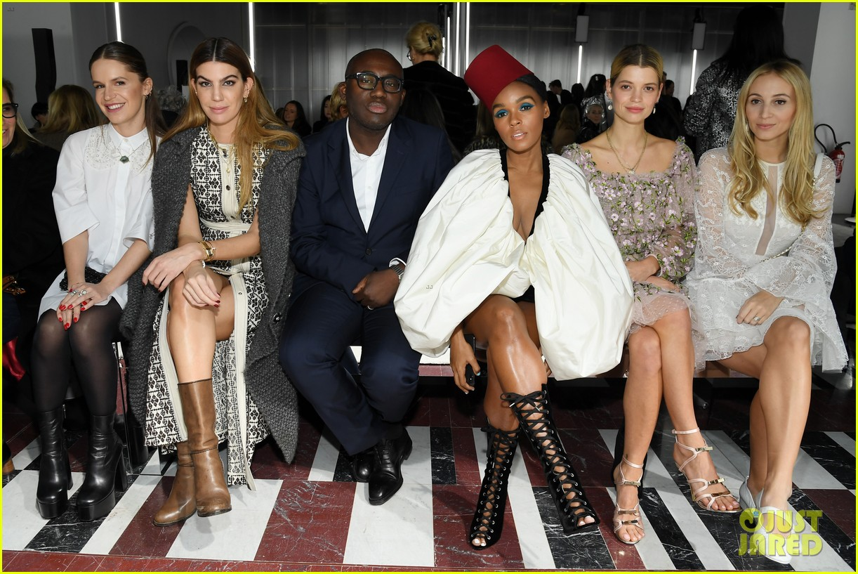 amber heard janelle monae buddy up at giambattista valli paris fashion show 05