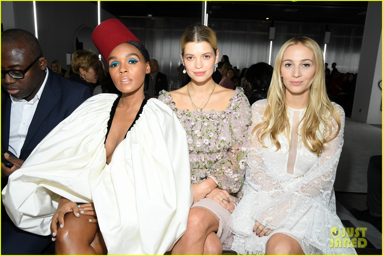 amber heard janelle monae buddy up at giambattista valli paris fashion show 10