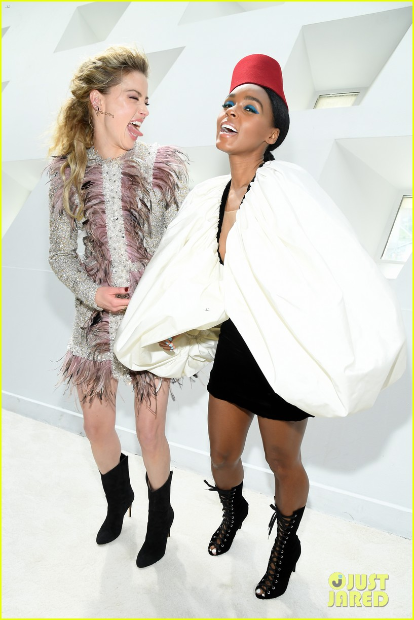 amber heard janelle monae buddy up at giambattista valli paris fashion show 17