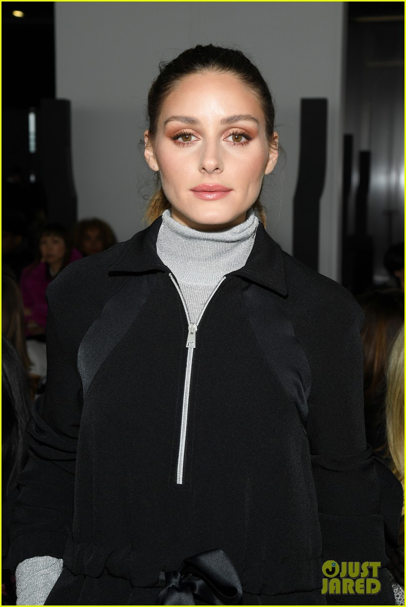 amber heard janelle monae buddy up at giambattista valli paris fashion show 284251239