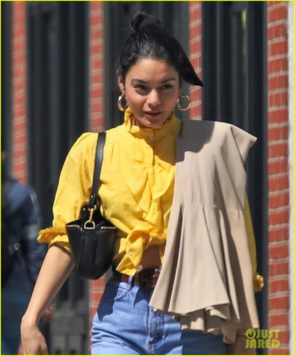 vanessa hudgens shopping trip 04