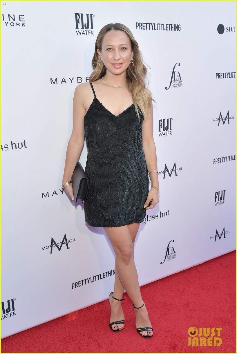kate hudson joins james marsden daily front row fashion awards 064258434