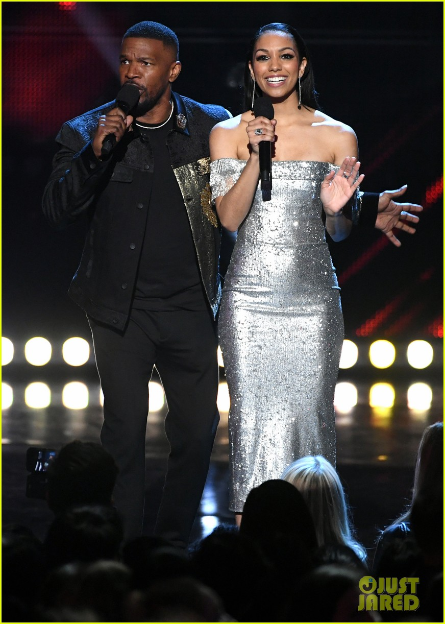 jamie foxx pharrell williams 2019 iheartradio awards 044257244