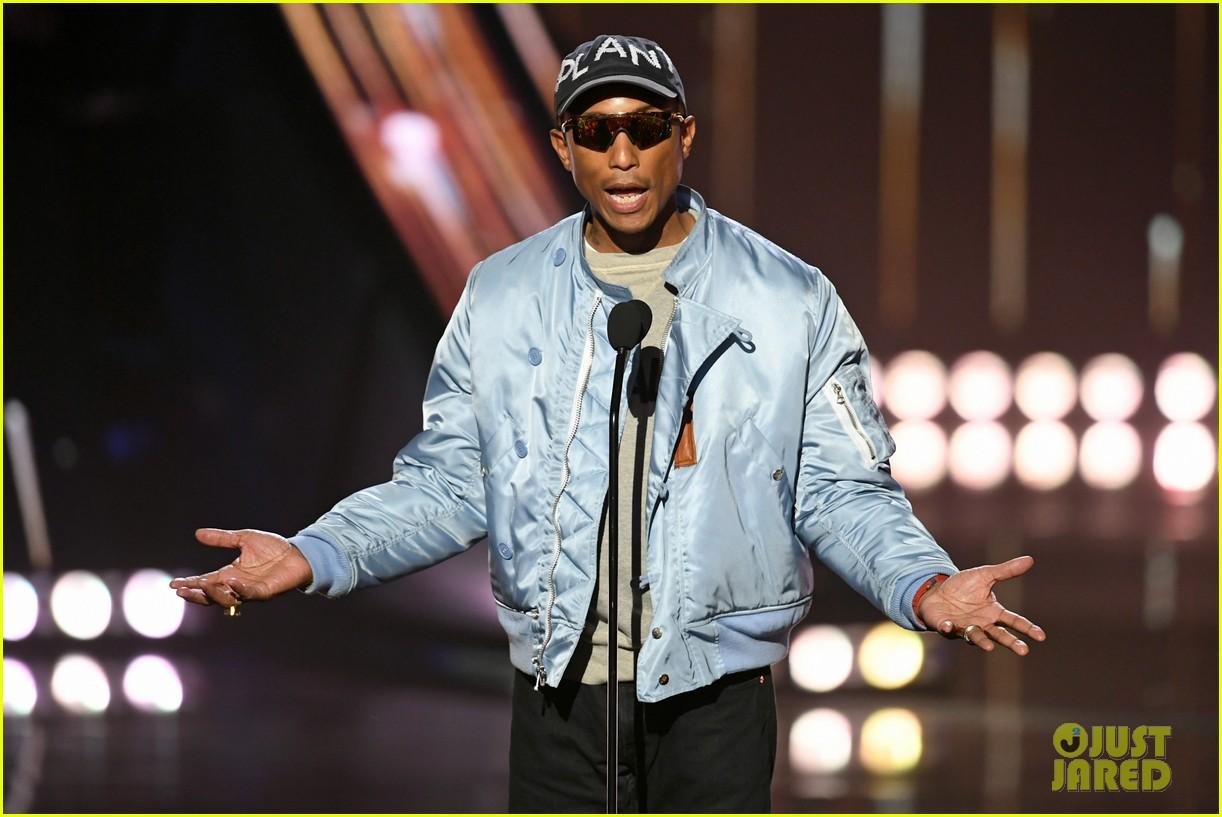 jamie foxx pharrell williams 2019 iheartradio awards 104257250