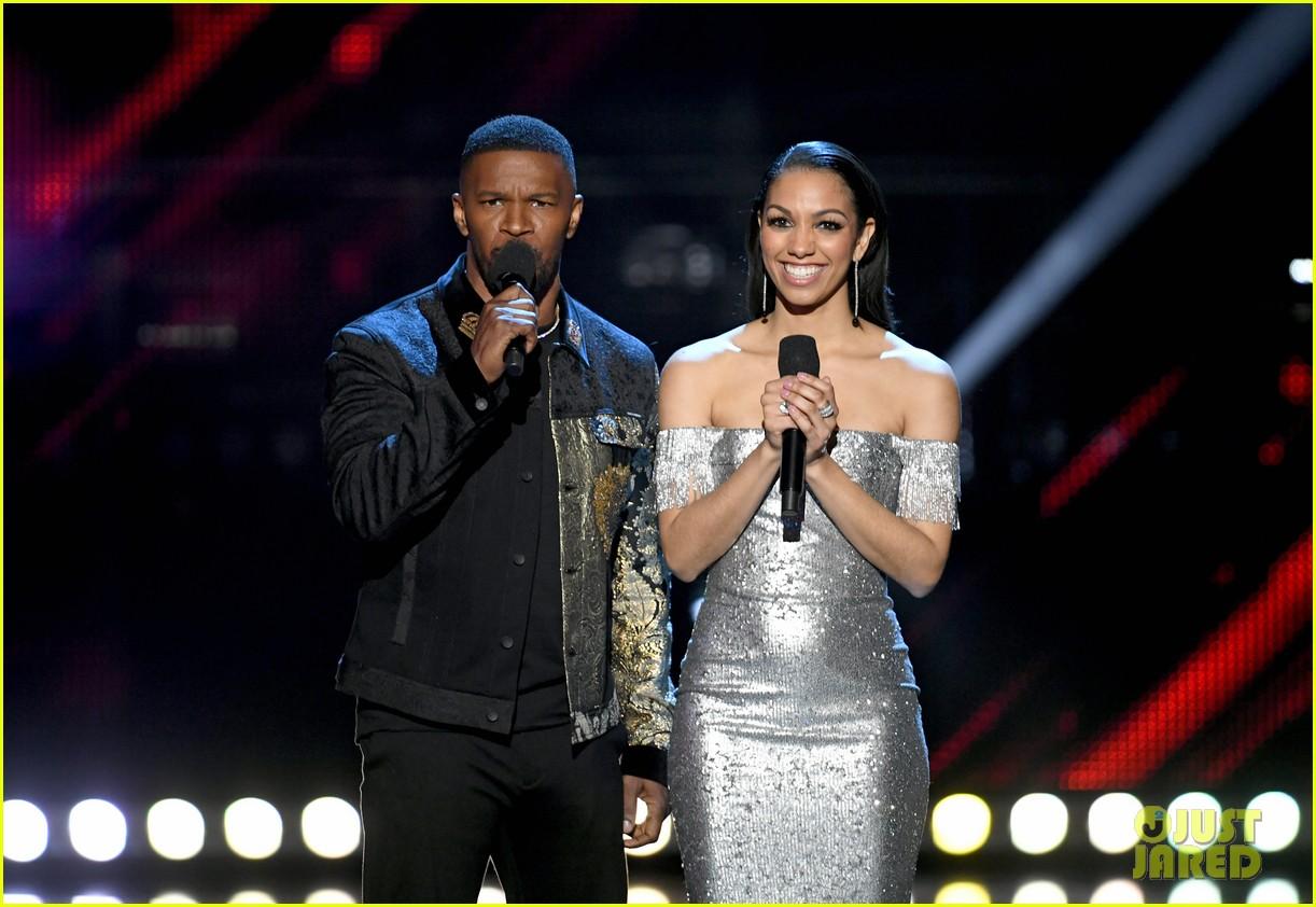 jamie foxx pharrell williams 2019 iheartradio awards 11