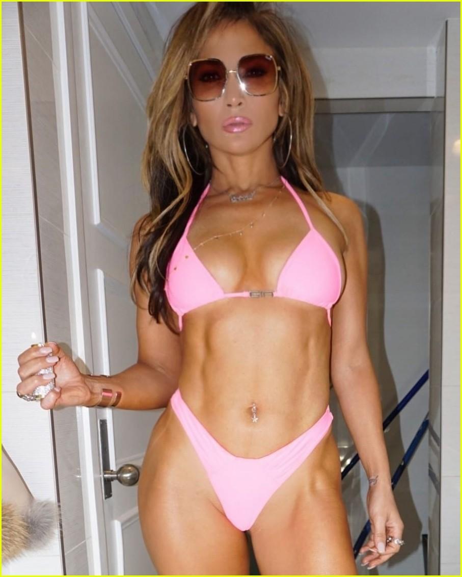 Adison Justis - Fantastic Body in Sexy Instagram Pics