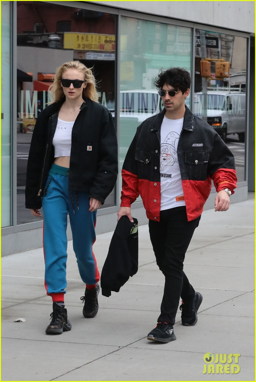 joe jonas sophie turner casual nyc stroll 034257645