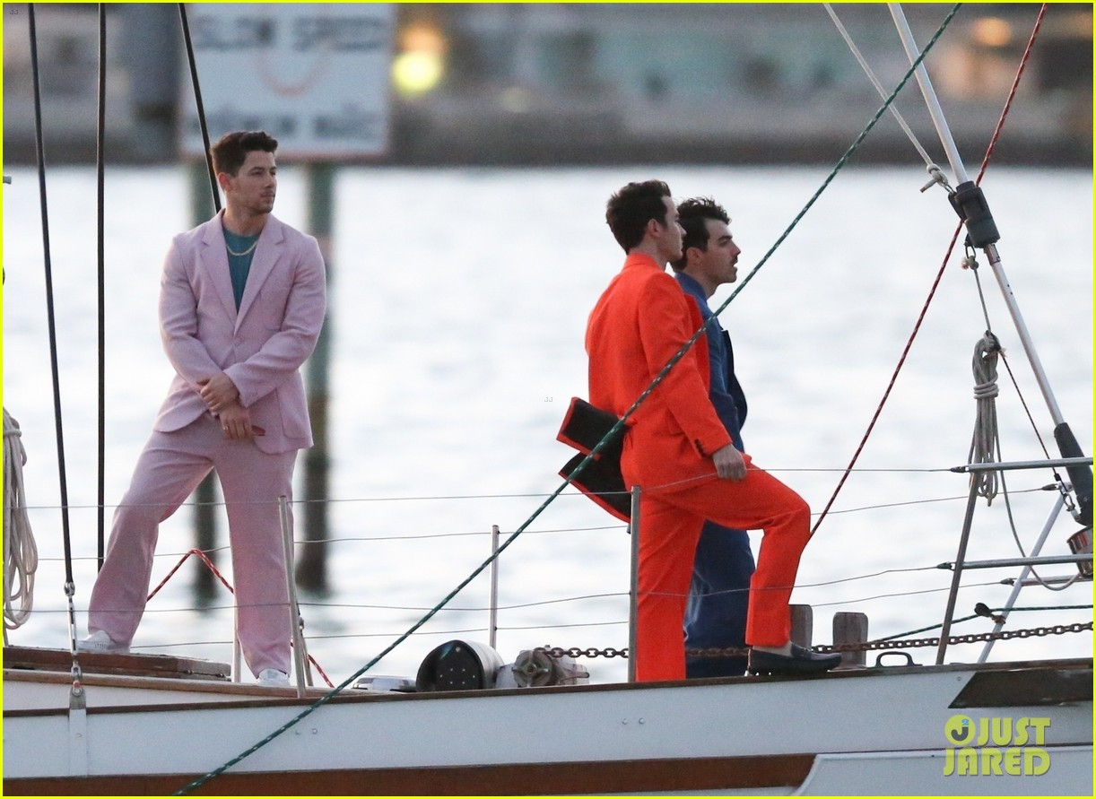 jonas brothers film boat 354262123