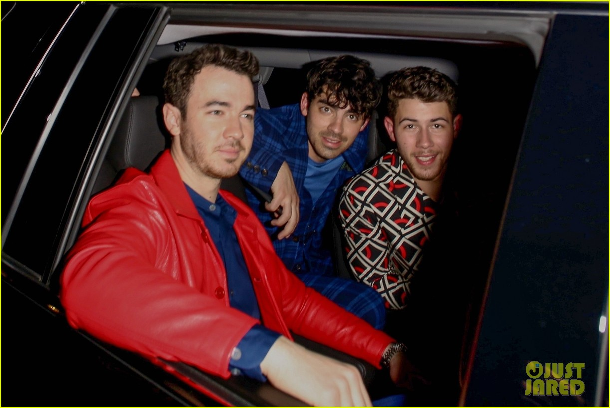 the jonas brothers and sophie turner step out for dinner at craigs 044253804
