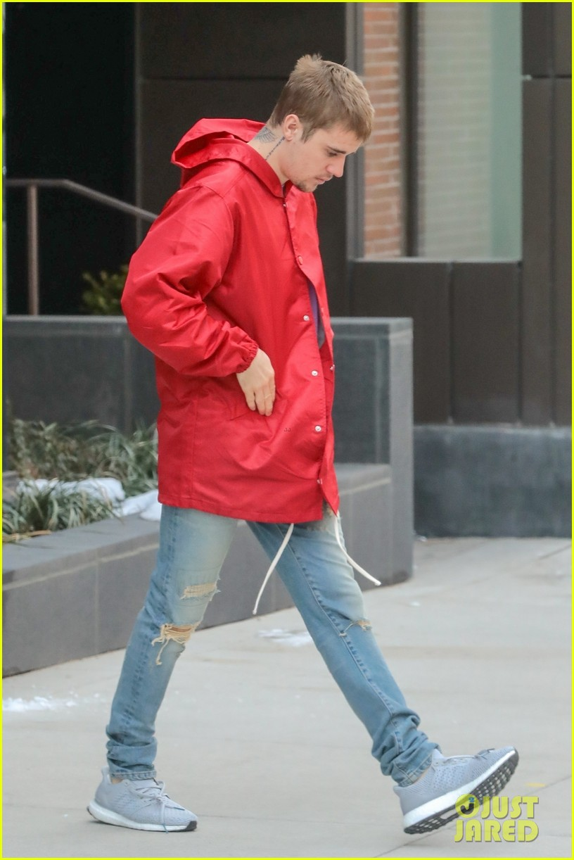 Justin Bieber Heads Out In A Red Hoodie For The Day In Nyc
