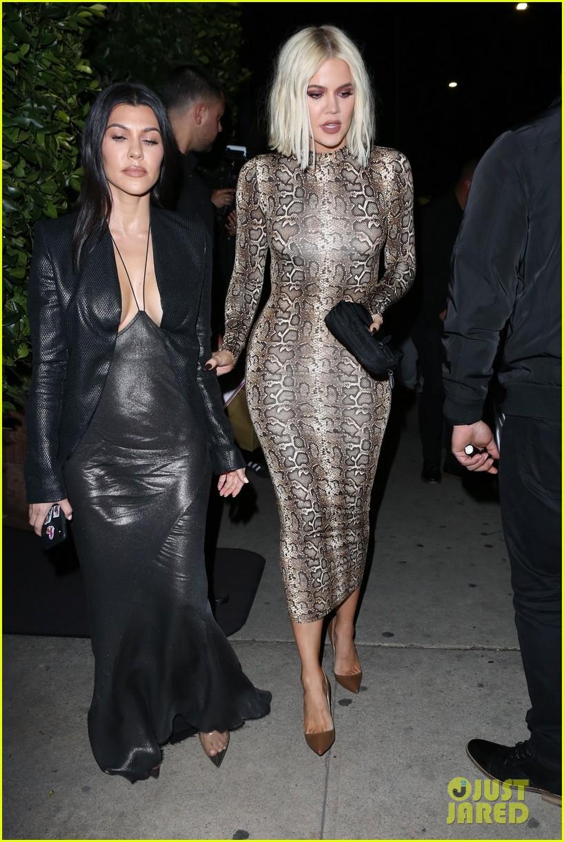 kim kardashian khloe kardashian kourtney kardashian kylie jenner dinner 23