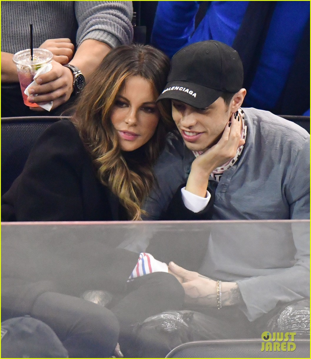pete davidson kate beckinsale pack on the pda at hockey game 02