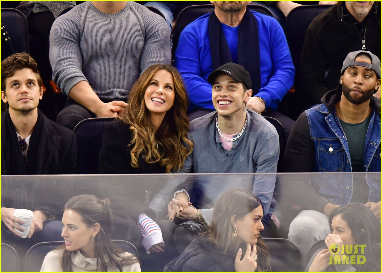 pete davidson kate beckinsale pack on the pda at hockey game 03