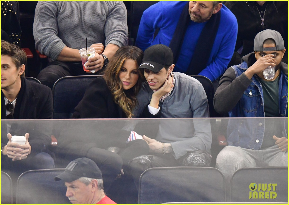 pete davidson kate beckinsale pack on the pda at hockey game 09
