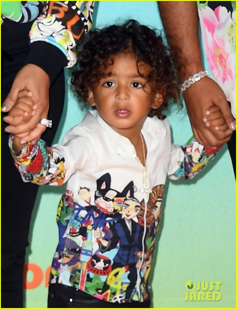 Dj Khaled Brings His Wife Amp Son To Kids Choice Awards
