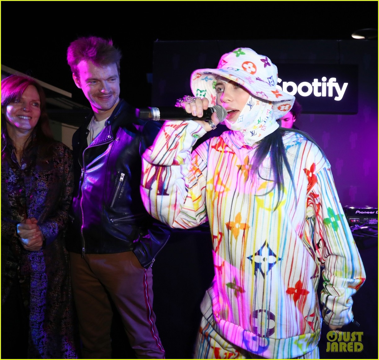 heidi klum billie eilish spotify pop up experience 03