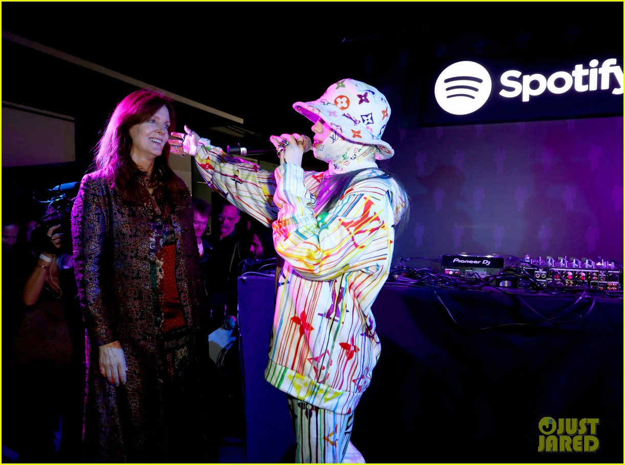 heidi klum billie eilish spotify pop up experience 14
