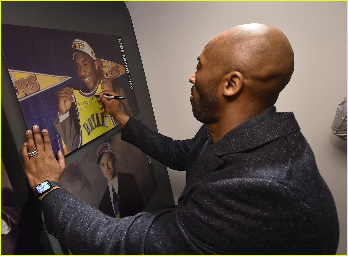 huge selection of 33d65 c38be Kobe Bryant Visits NBA Store in NYC to Celebrate His New ...