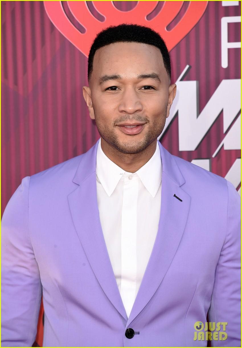 john legend purple suit iheartradio music awards 04