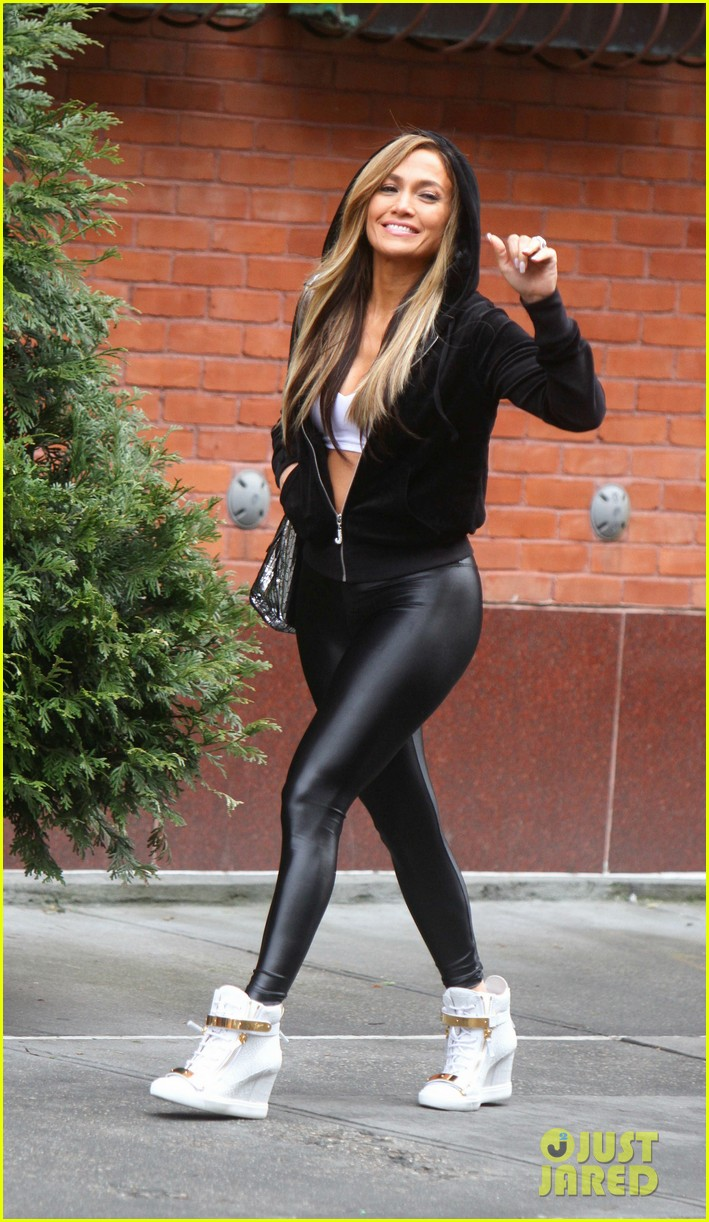 Jennifer Lopez Gets in Trouble With the Law on the 'Hustlers' Set: Photo 4264795 ...
