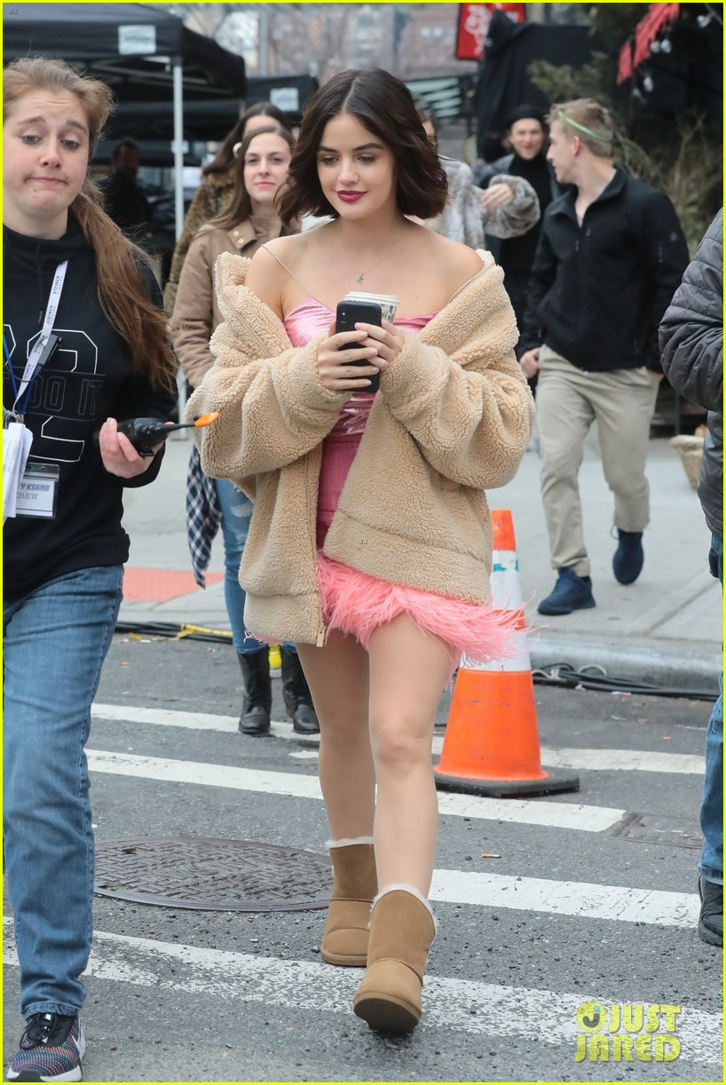 lucy hale ashleigh murray katy filming nyc 054262741