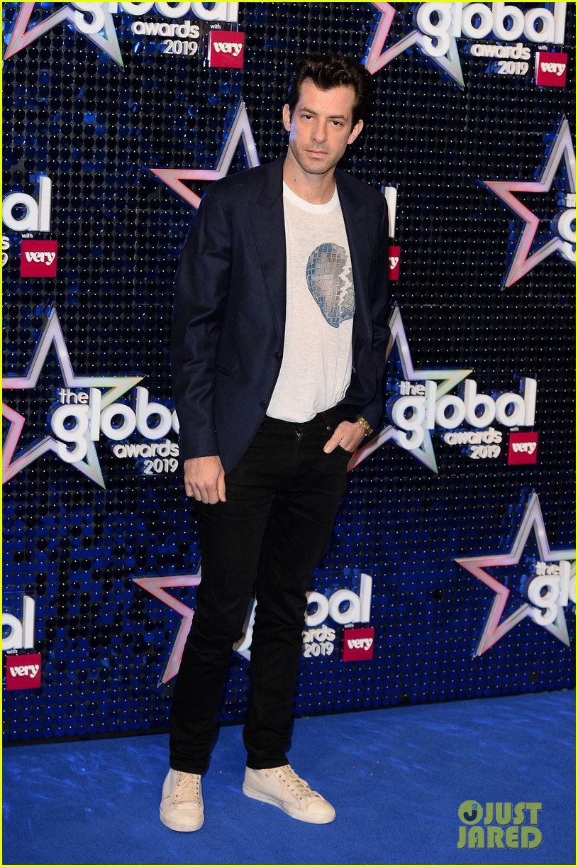 mark ronson joins little mix at global awards 08