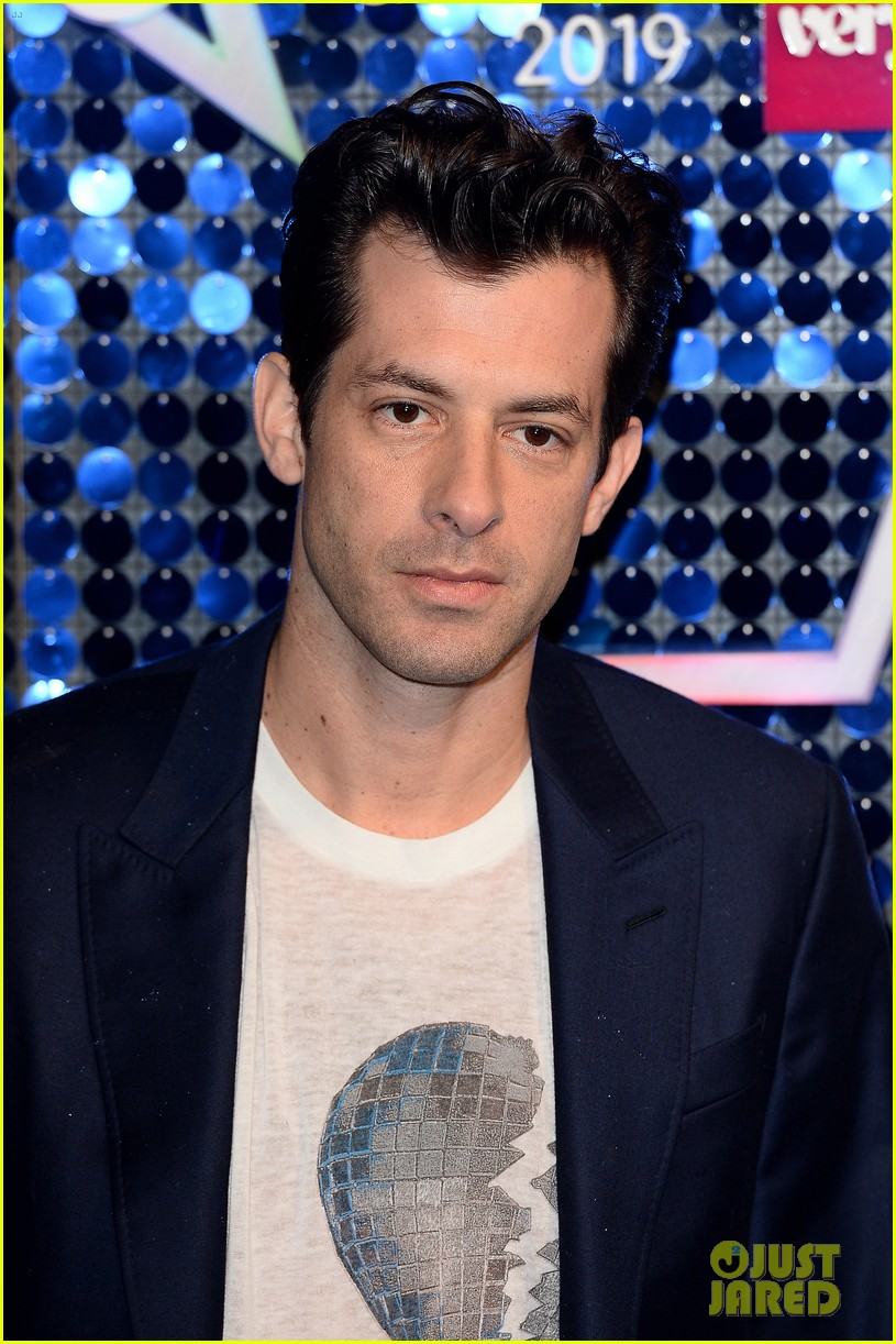 mark ronson joins little mix at global awards 15