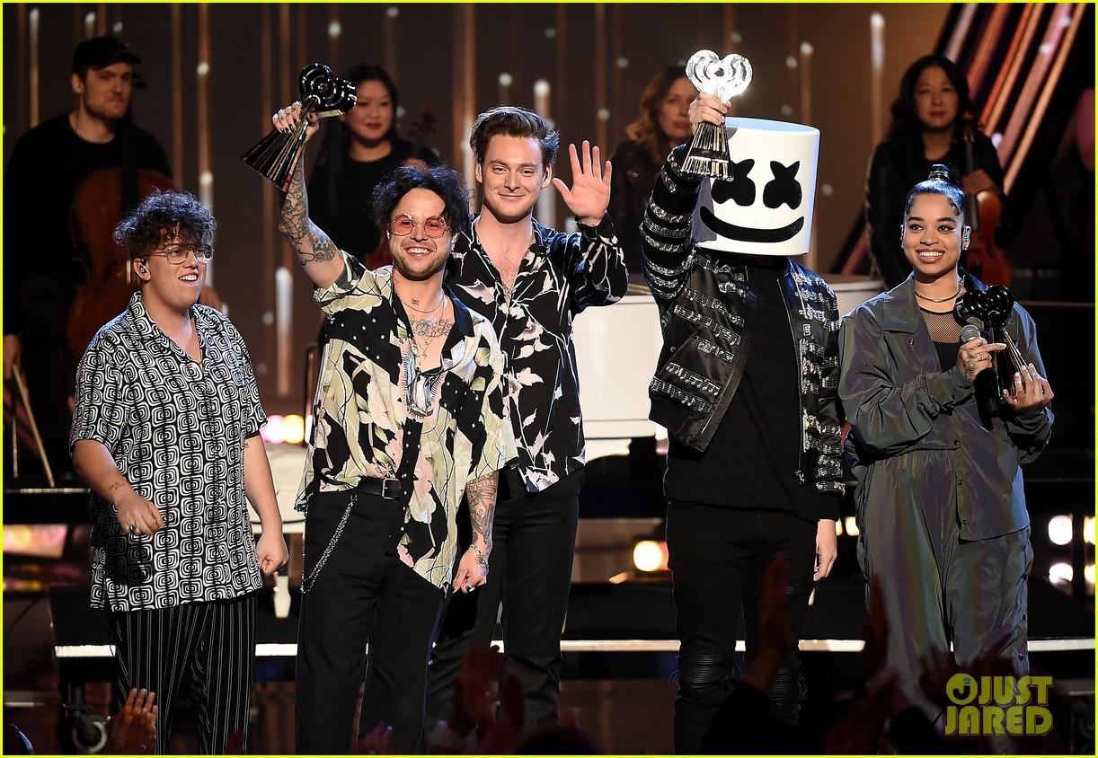 best new artist medley iheart radio music awards 034257132