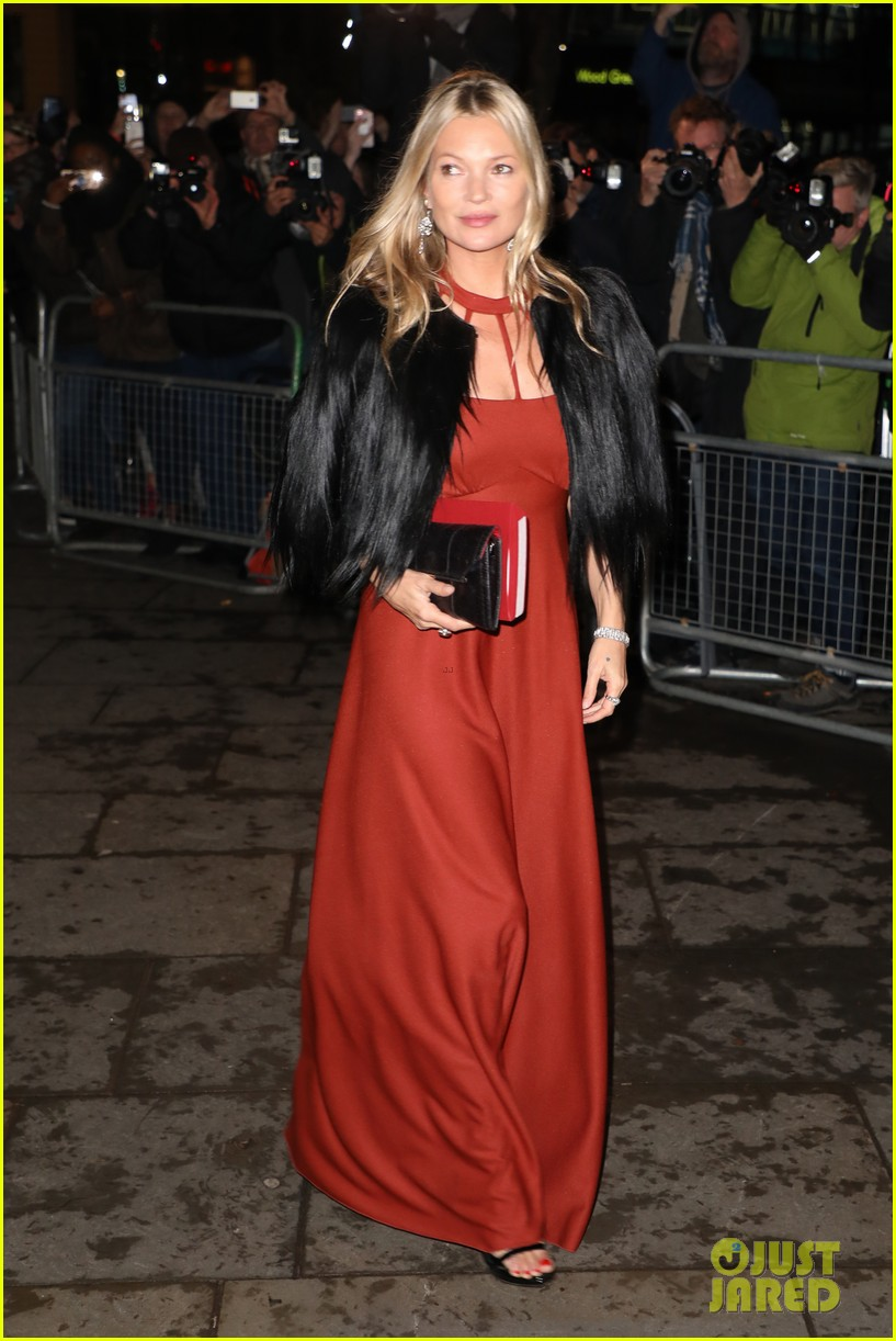 liam payne joins kate moss at portrait gala 044255967