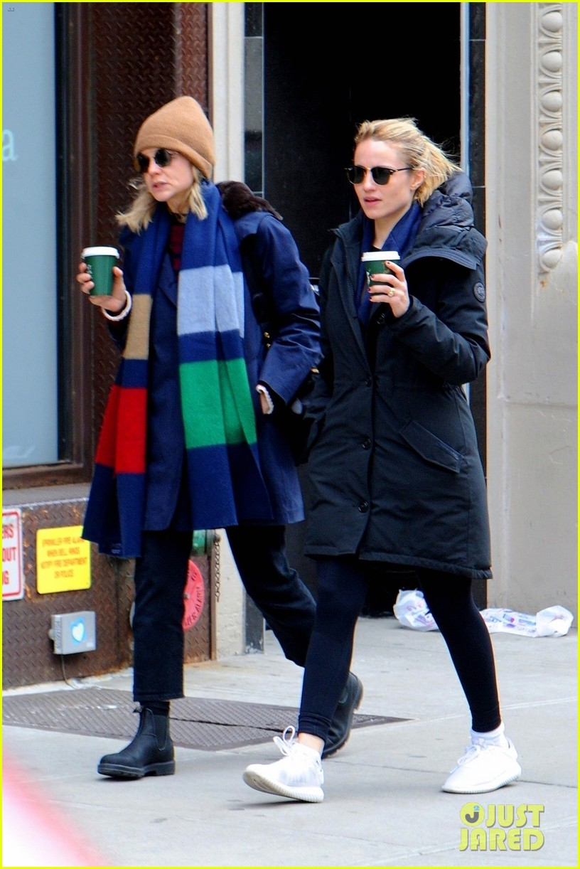 carey mulligan dianna agron hang out nyc 08