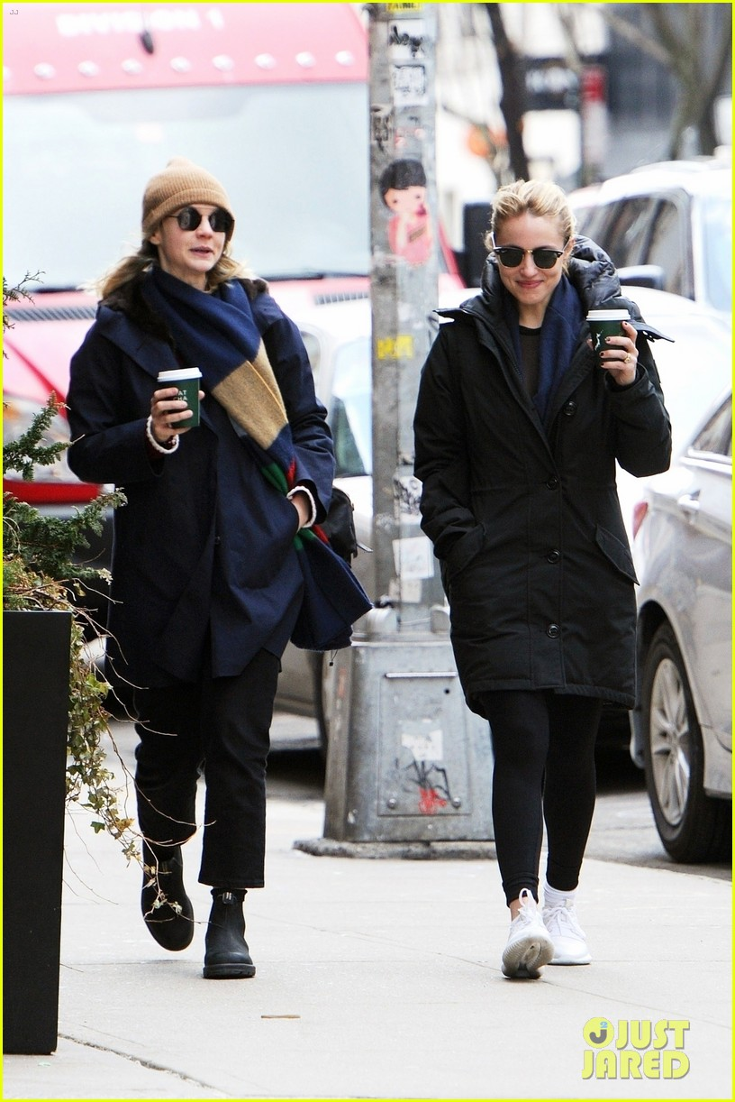 carey mulligan dianna agron hang out nyc 09