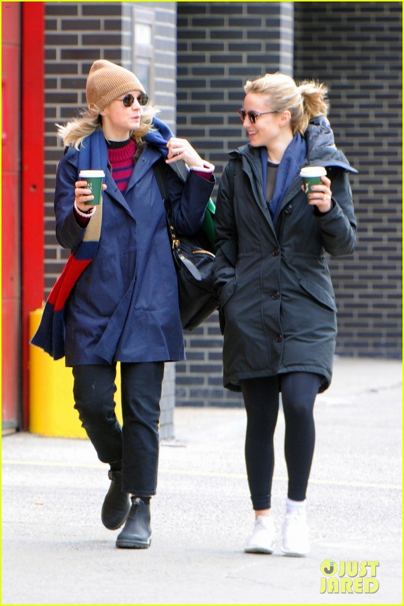 carey mulligan dianna agron hang out nyc 10
