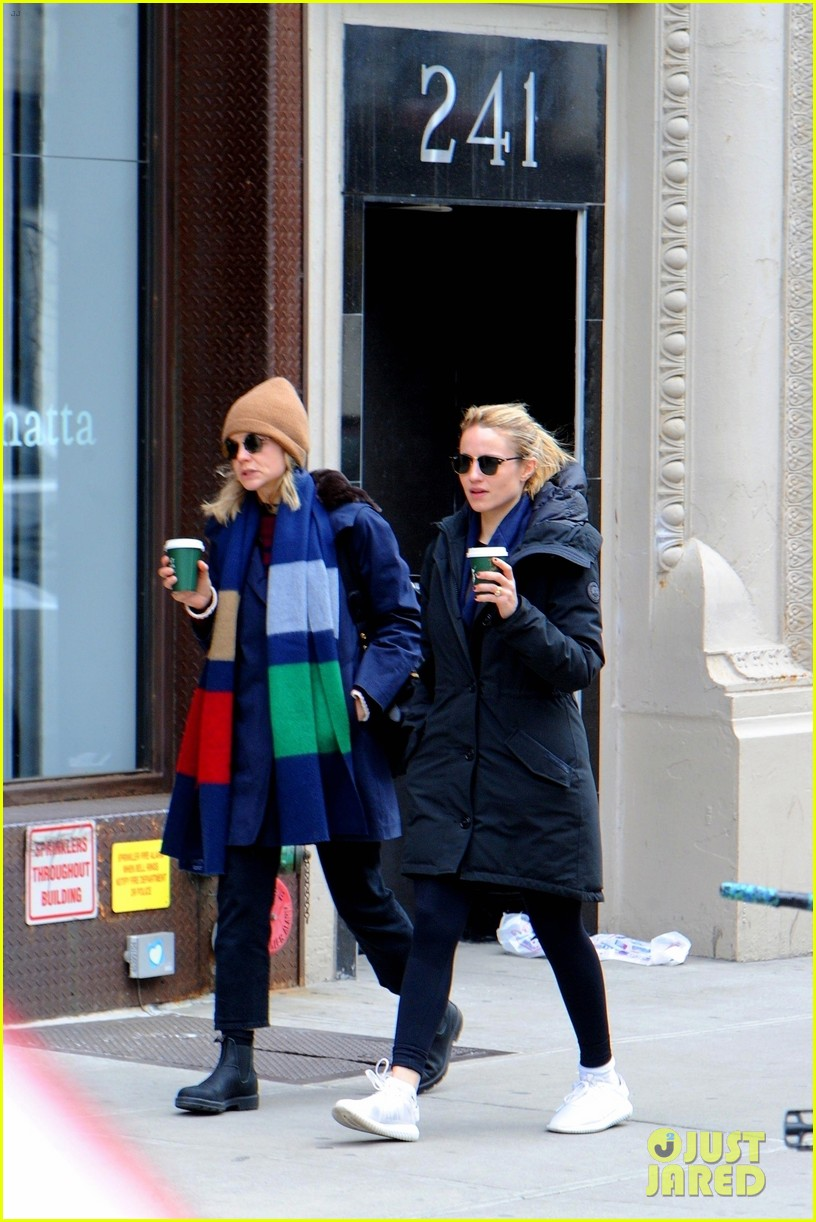 carey mulligan dianna agron hang out nyc 11