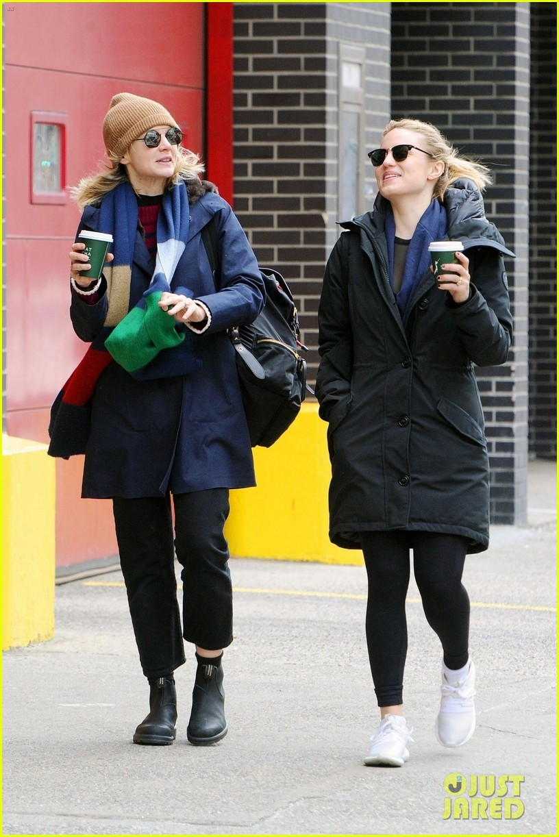 carey mulligan dianna agron hang out nyc 12